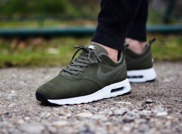 nike air max tavas leather kaki,achat vente chaussures